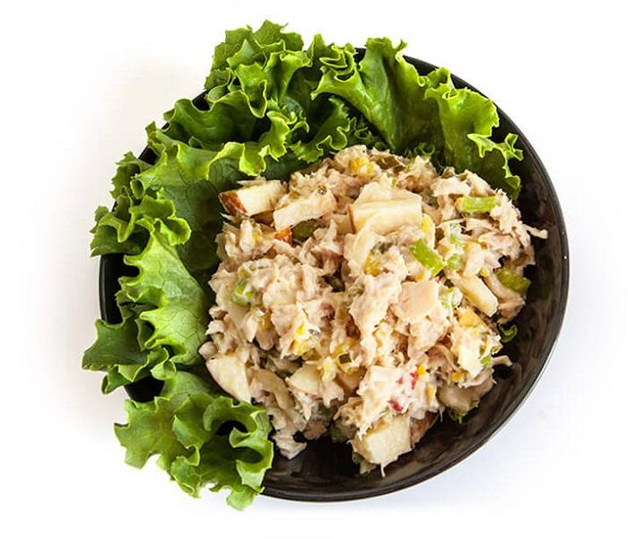 Рецепт салата с тунцом слоями