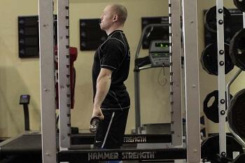 Становая тяга штанги в силовой раме