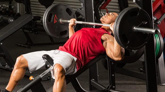 Как накачать грудь: 5 тренировочных схем.