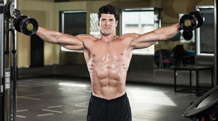 Как накачать плечи: 2 тренировочных программы.