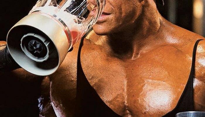 Бодибилдинг, протеиновый коктейль
