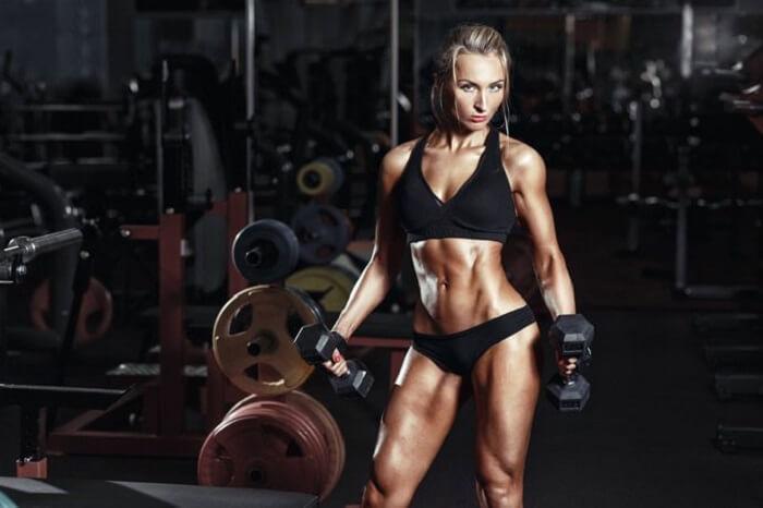Фитнесистка