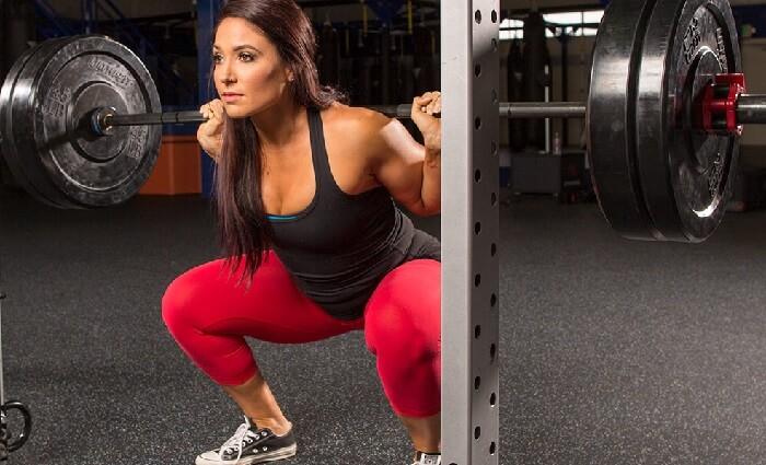 Комплекс женских упражнений для ног и ягодиц