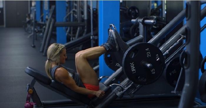 Тренировка ног и ягодиц для женщин от Эми Апдайк.