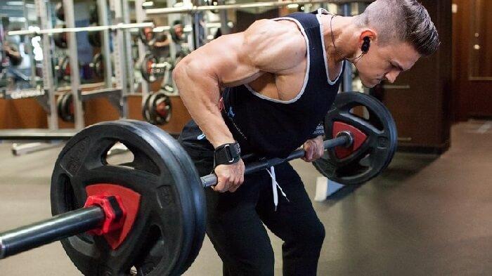4 стратегии тренировки спины, обречённые на провал.