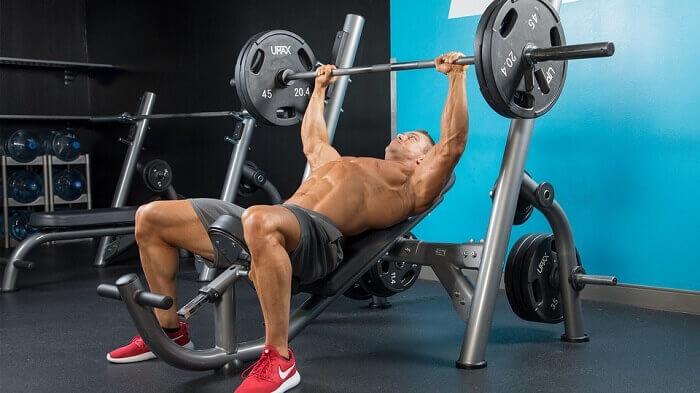 Тренировка грудных мышц FST-7.