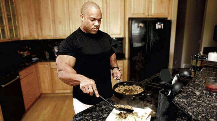 Фил Хит на кухне